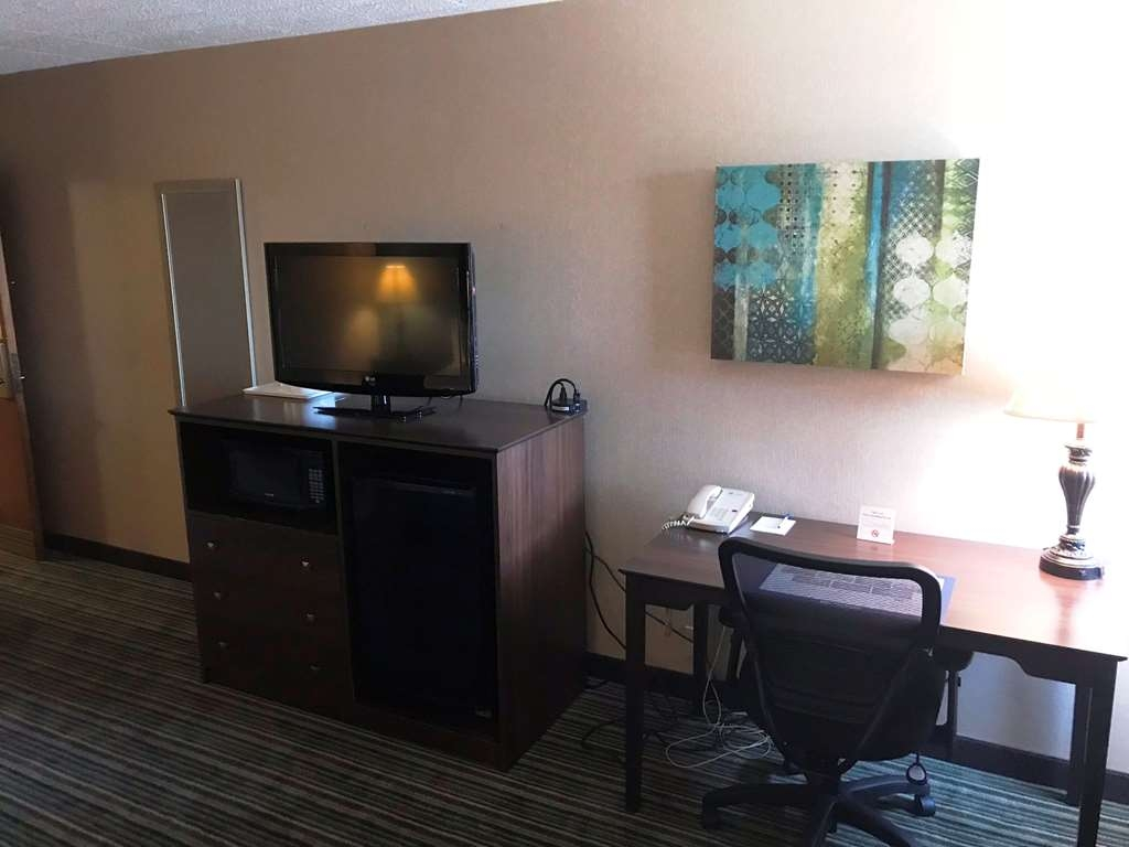 Best Western Woodhaven Inn - Standard One Queen Bed Work Space and Microwave Refrigrator