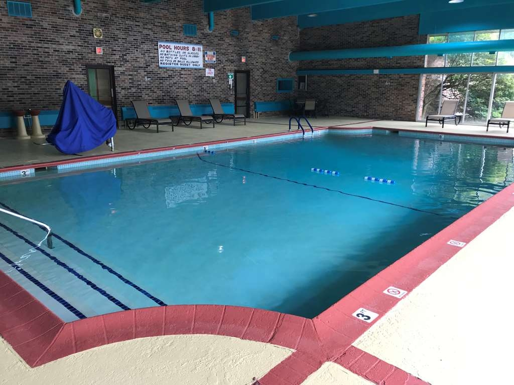 Best Western Woodhaven Inn - Piscina