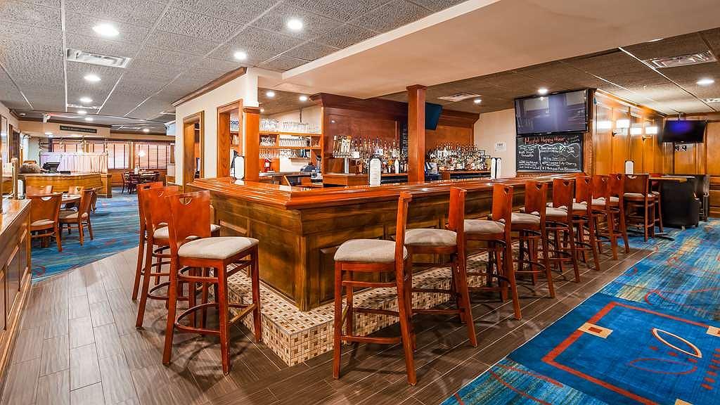 Hotel in Allen Park | Best Western Greenfield Inn