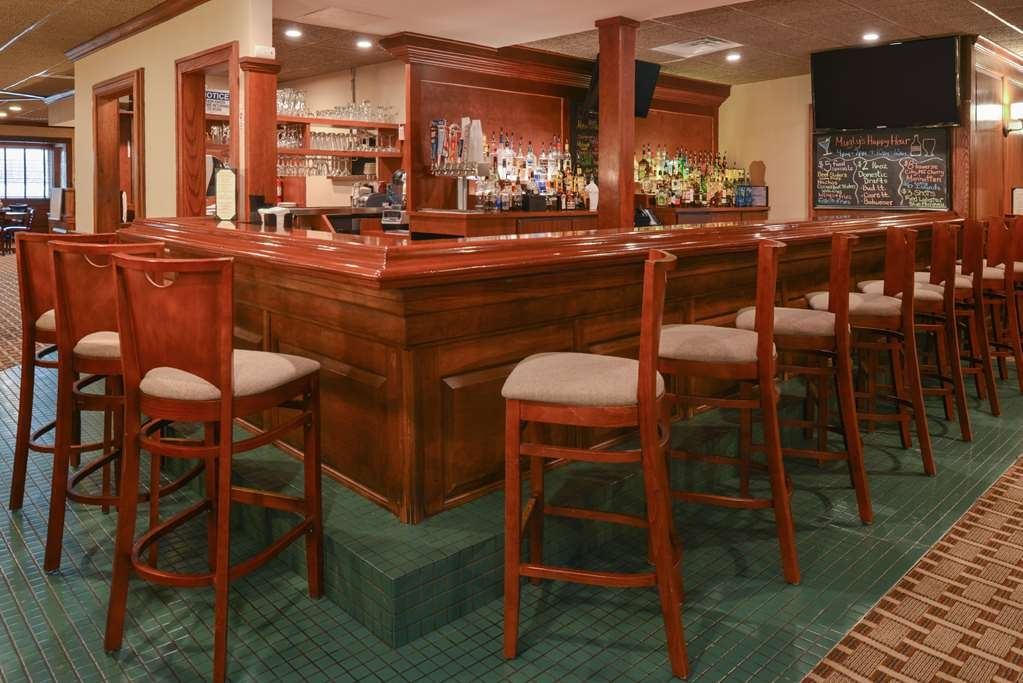 Best Western Greenfield Inn - Bar/Salón