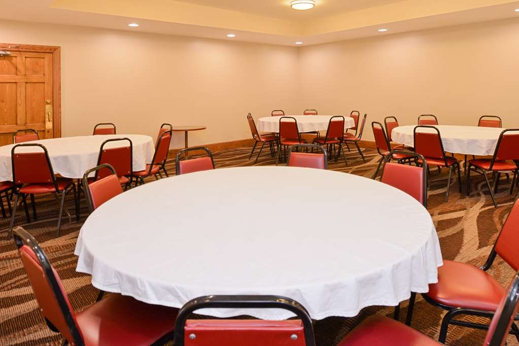 Best Western Greenfield Inn - Our Packard Room is perfect for small events and can accommodate up to 50 people. Mugly's catering menus are available.