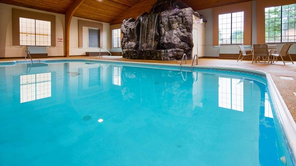 Best Western Lapeer Inn - Vue de la piscine
