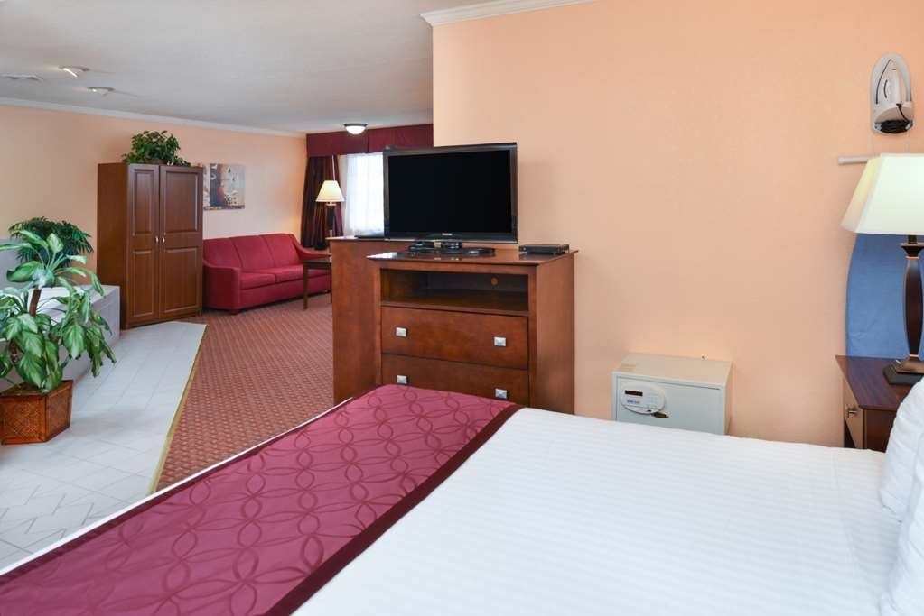 Best Western of Whitmore Lake - Suite