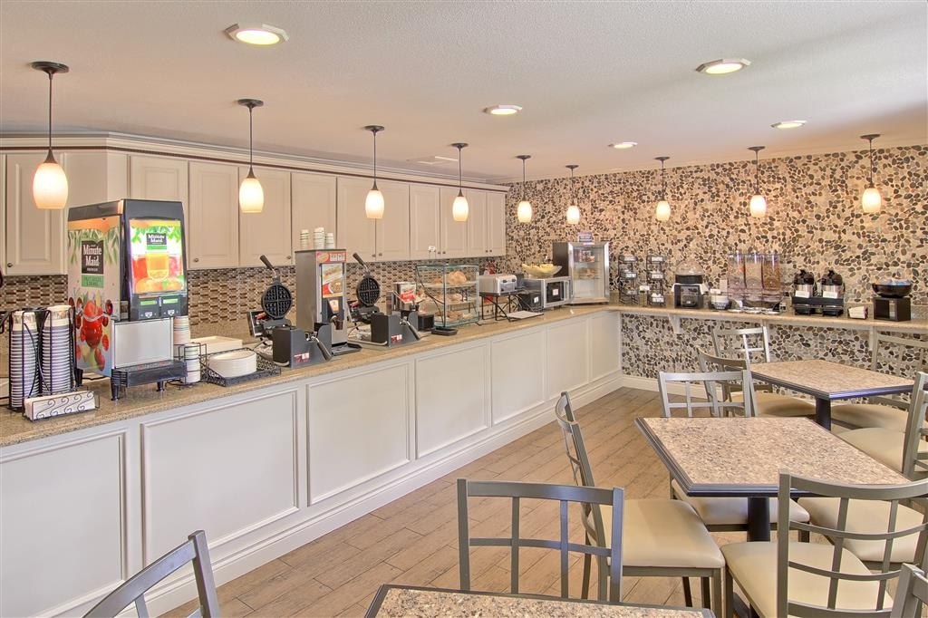 Best Western of Harbor Springs - Desayuno Buffet