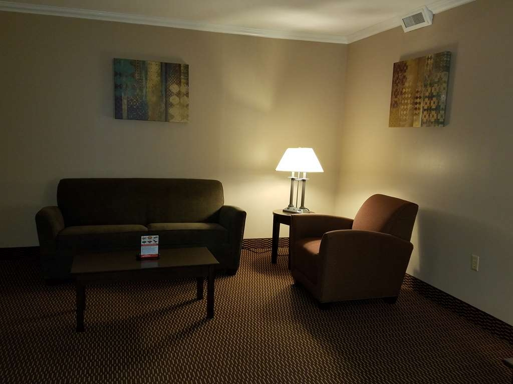 Best Western Valley Plaza Inn - suite