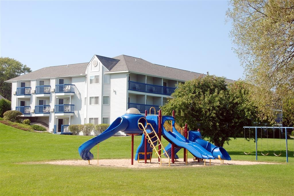 Best Western Harbour Pointe Lakefront - Playground