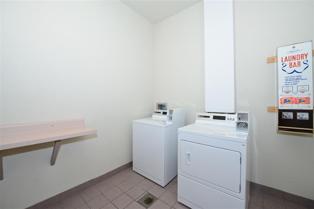 Best Western Harbour Pointe Lakefront - Coin Operated Guest Laundry
