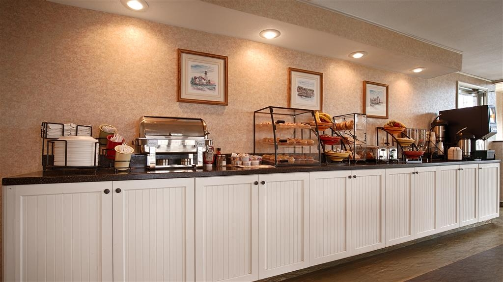 Best Western Harbour Pointe Lakefront - Breakfast Area