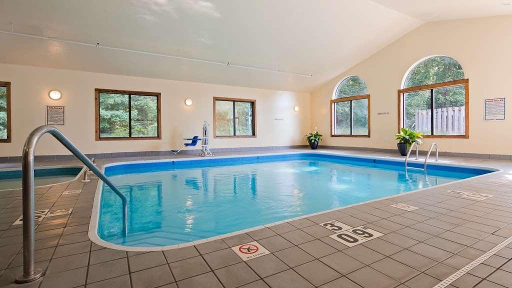 Best Western Plaza Hotel Saugatuck - Vue de la piscine