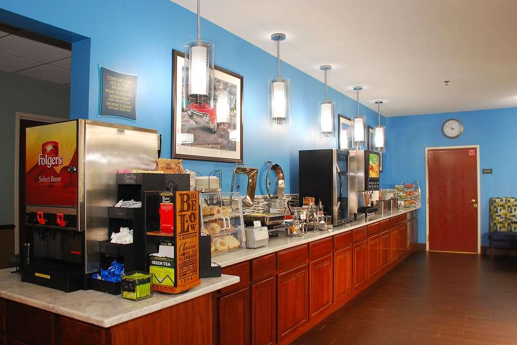Best Western Port Huron Blue Water Bridge - Enjoy a balanced and delicious breakfast with choices for everyone including hot food & gluten free options.