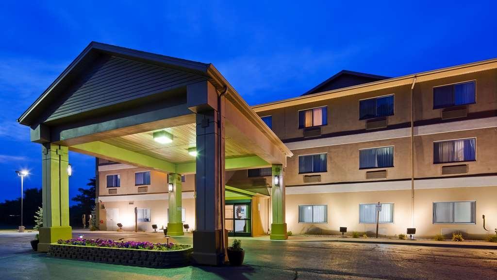 Best Western Port Huron Blue Water Bridge - Facciata dell'albergo