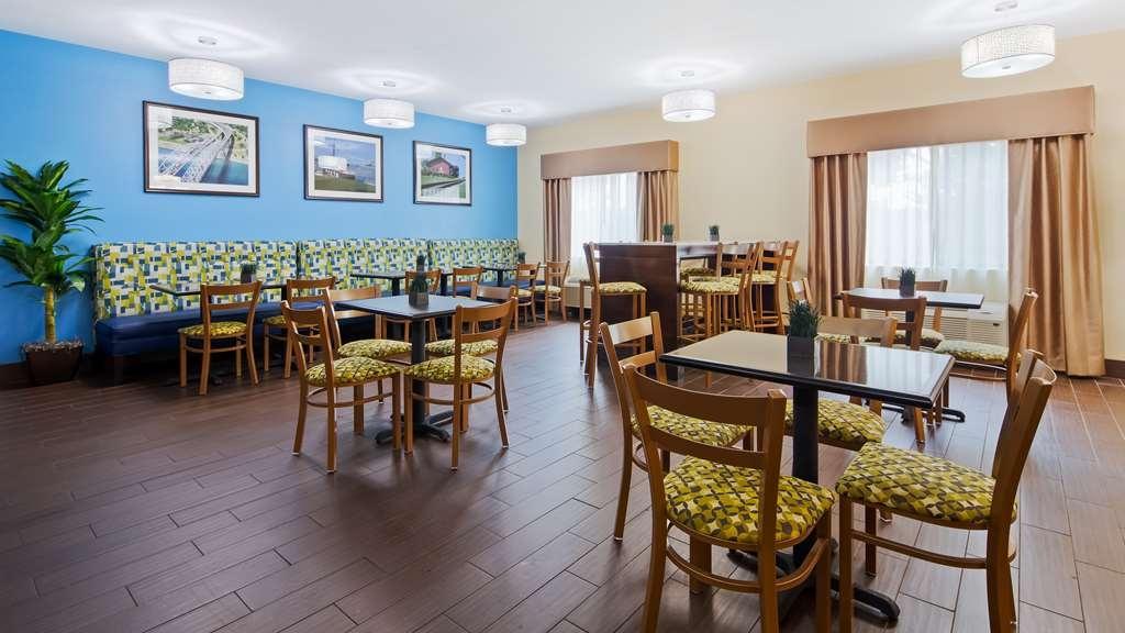 Best Western Port Huron Blue Water Bridge - Breakfast Room
