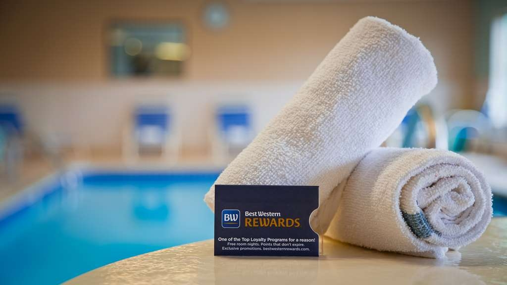 Best Western Port Huron Blue Water Bridge - Take a refreshing dip or swim some laps in our indoor pool.
