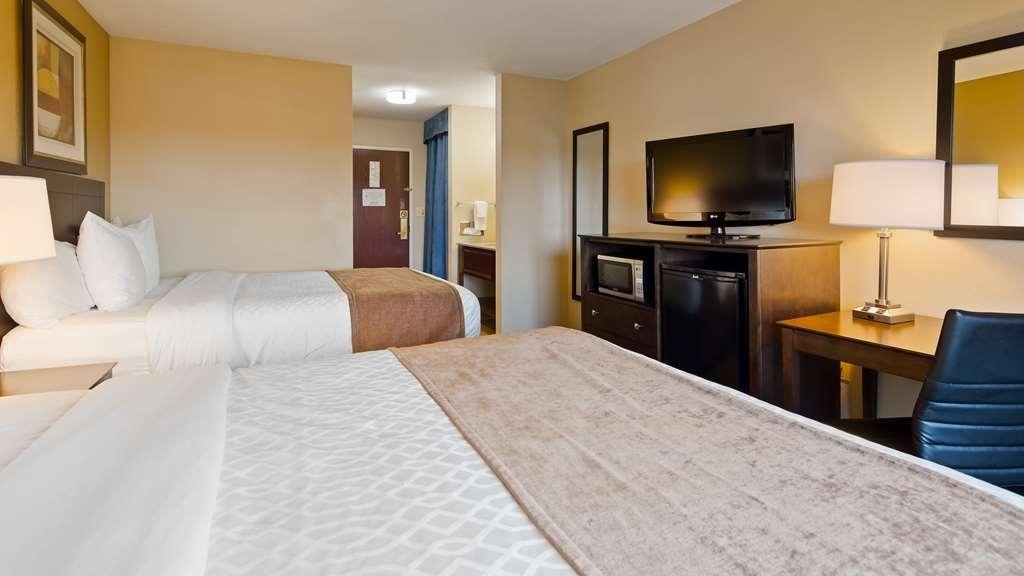Best Western Port Huron Blue Water Bridge - Guest Room with Two Queen Beds