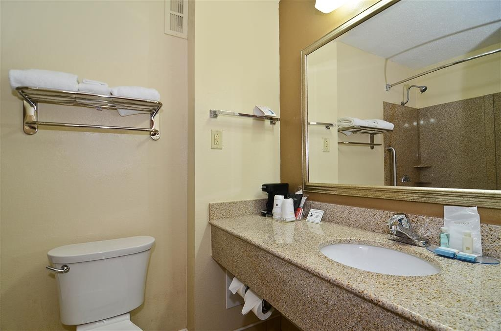 Best Western Executive Inn - Our well-appointed guest room bathrooms are spacious and comfortable. Mobility accessible bathrooms are available.