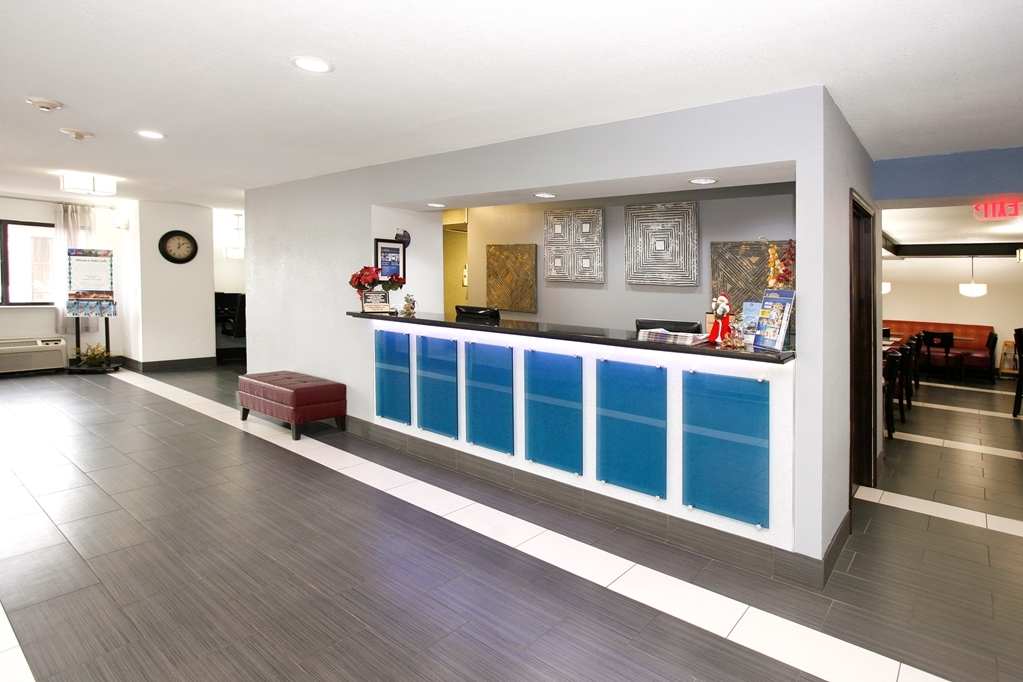 Best Western Executive Inn - Lobby