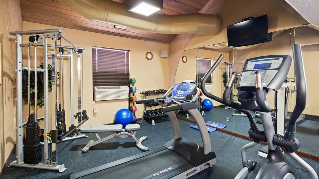 Best Western Executive Inn - Maintain your fitness routine during your stay with us in our fitness center.