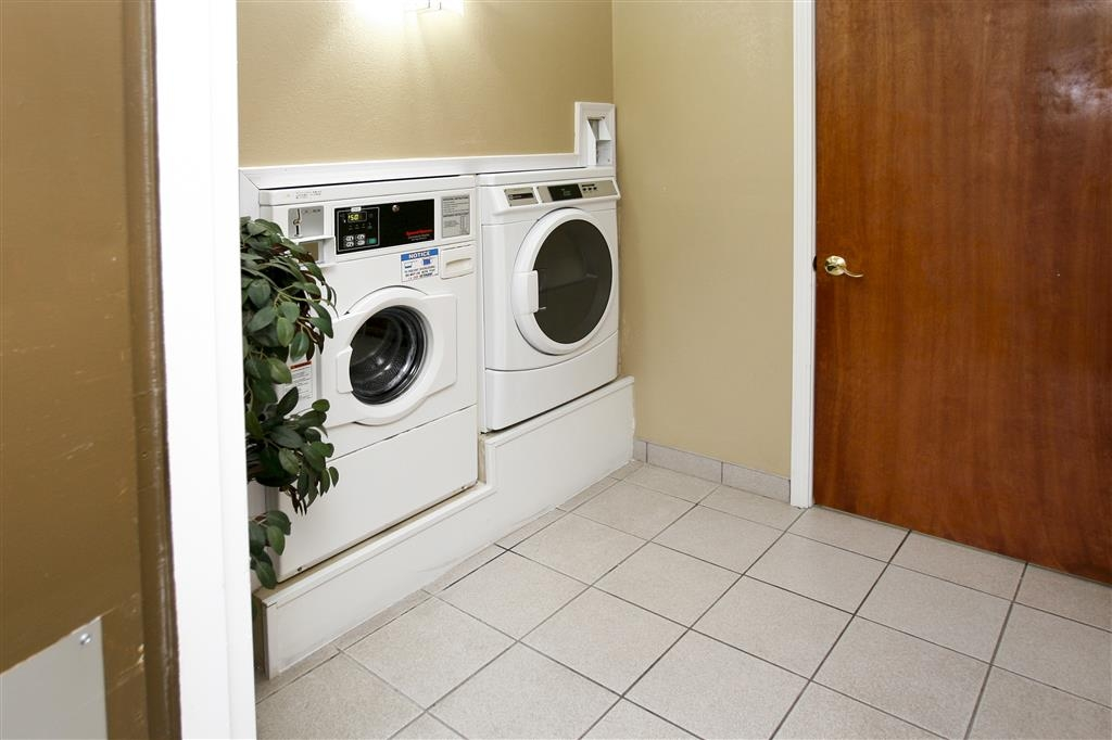 Best Western Executive Inn - Guest Laundry