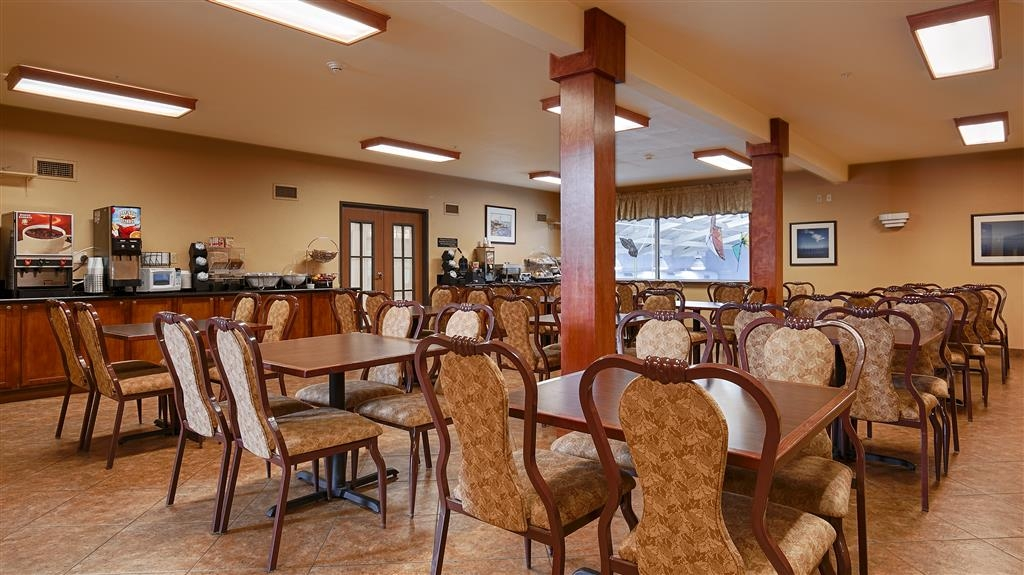 Best Western Scenic Hill Resort - Dining