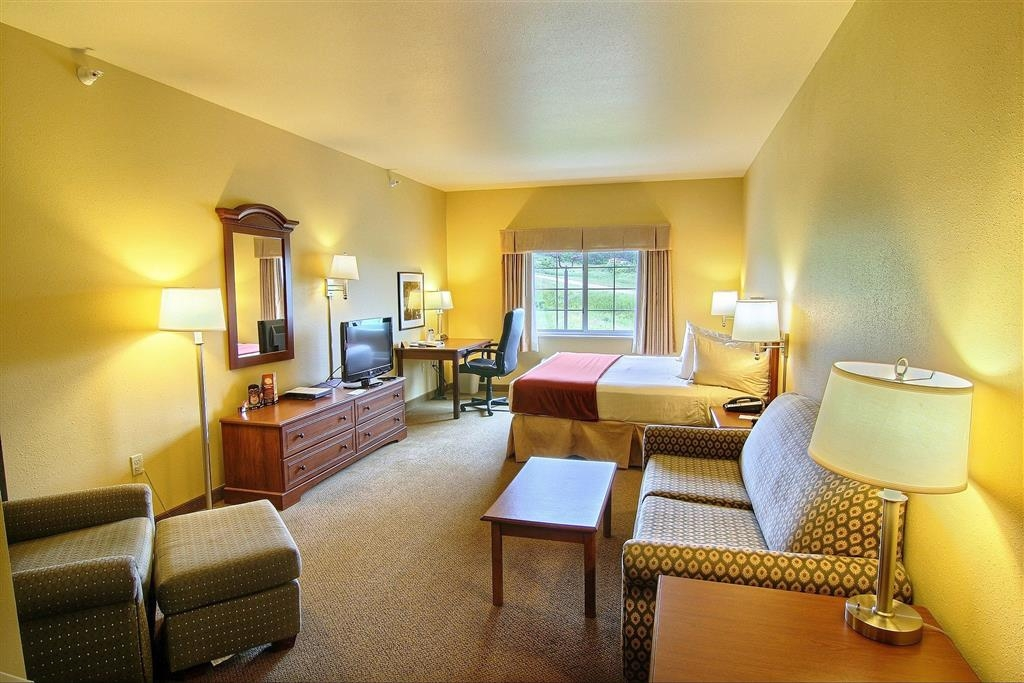 Best Western Scenic Hill Resort - King Suite