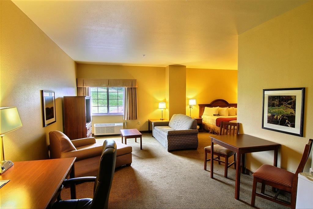 Best Western Scenic Hill Resort - Couples Suite