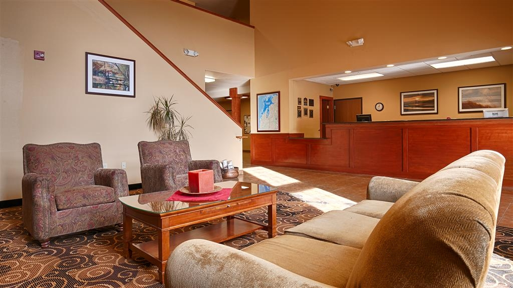 Best Western Scenic Hill Resort - Lobby