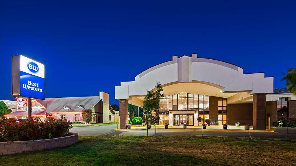 Best Western Hospitality Hotel & Suites - Aussenansicht