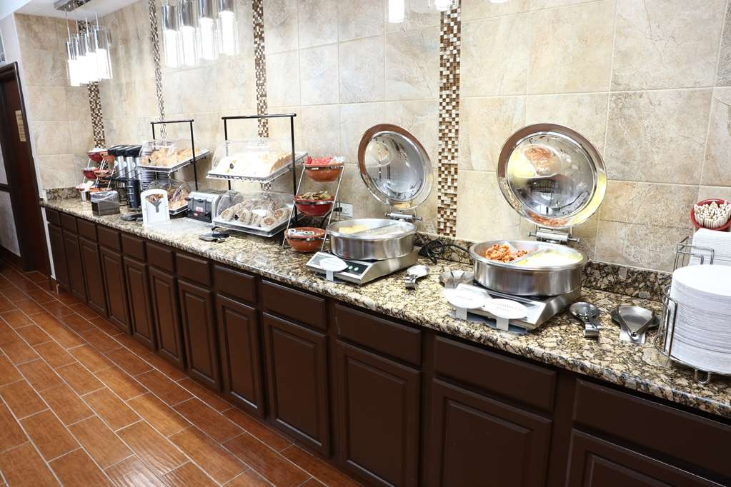 Best Western Hospitality Hotel & Suites - Prima colazione a buffet