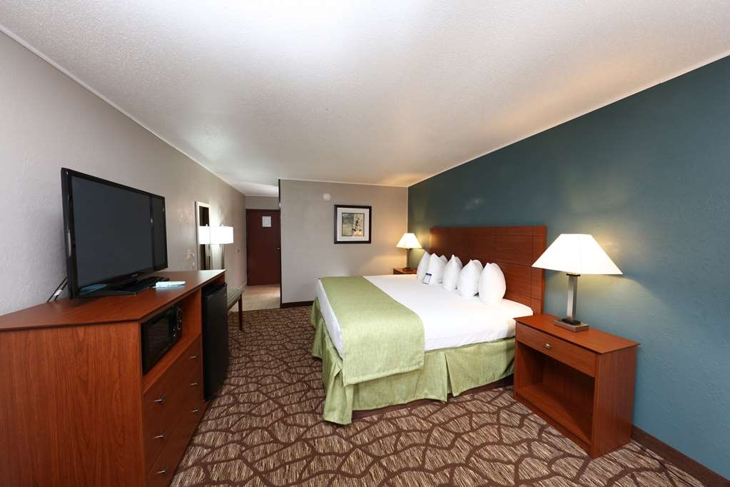 Best Western Hospitality Hotel & Suites - We now have completely new furniture is all of our guest rooms.