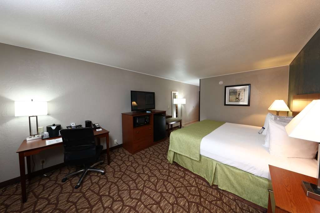 Best Western Hospitality Hotel & Suites - Our king room is perfect for business or leisure travel.