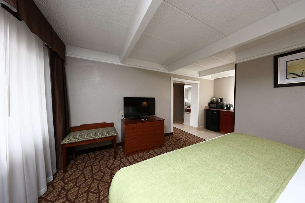 Best Western Hospitality Hotel & Suites - Plenty of room for the whole family in our king suites.