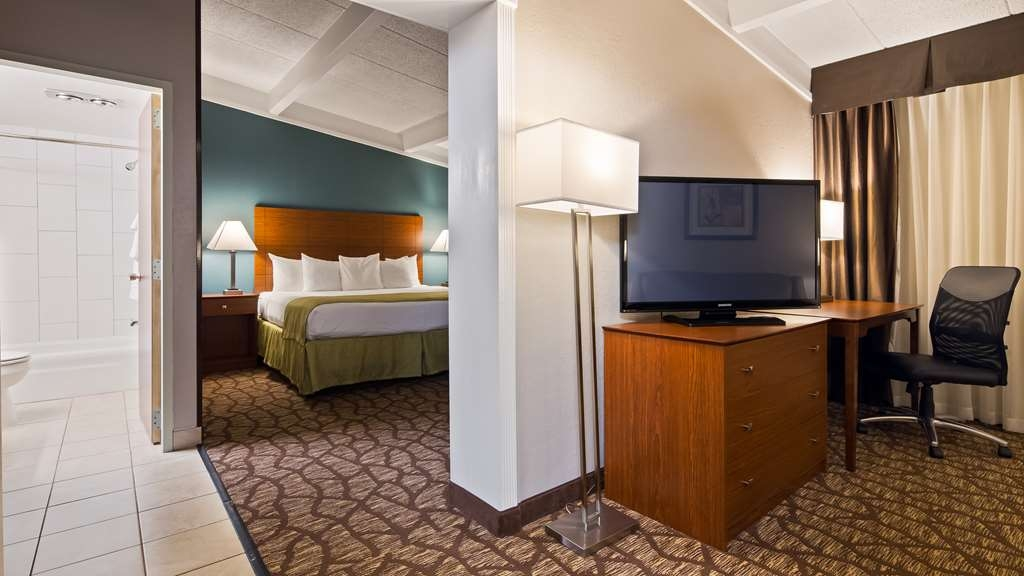 Best Western Hospitality Hotel & Suites - Upgrade to our One King Suite for added comfort during your stay.