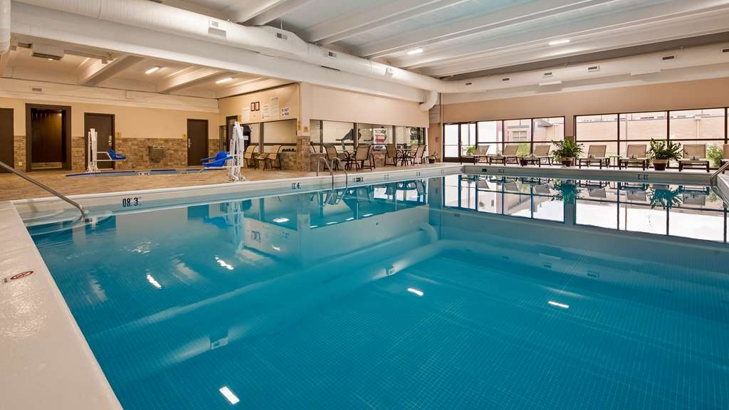 Best Western Hospitality Hotel & Suites - The indoor pool is perfect for swimming laps or taking a quick dip.