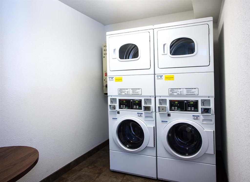Best Western Lakewinds - Our hotel offers guest laundry facilities and detergent for a nominal fee so you can enjoy your stay with one less worry.