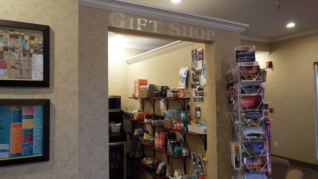 Best Western Lakewinds - Our Gift Shop located in the lobby is convenient and can help with any necessity you may have forgot.