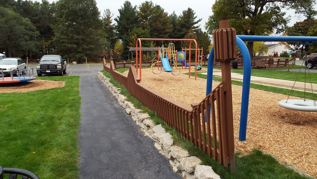 Best Western Lakewinds - Outdoor Play Area