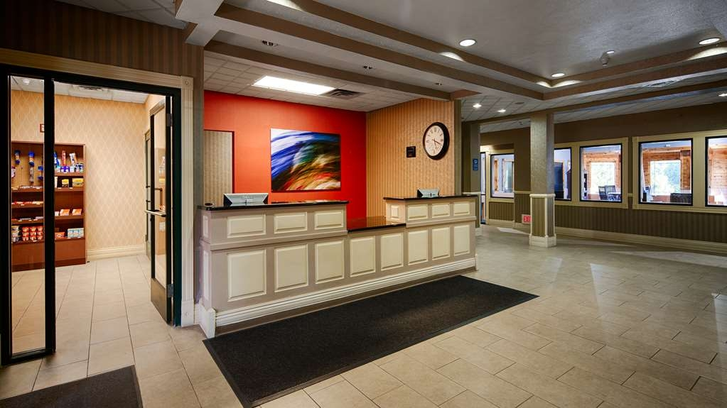 Best Western Plus Kalamazoo Suites - We strive to exceed your every expectation starting from the moment you walk into our lobby.