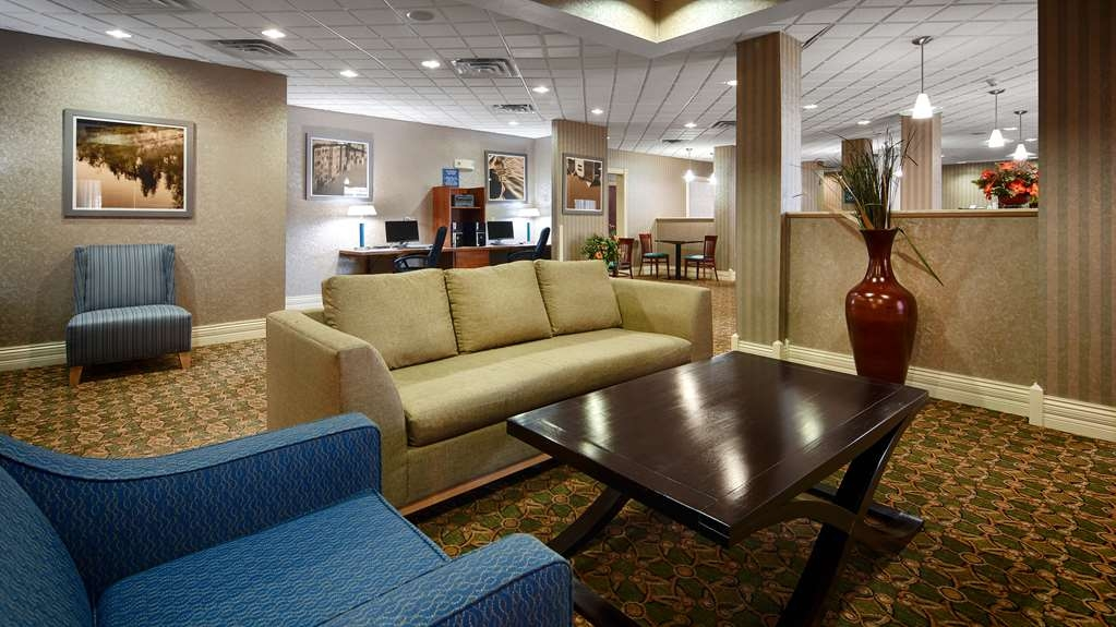 Best Western Plus Kalamazoo Suites - Our lobby is the perfect spot to unwind after a long day of work or travel.