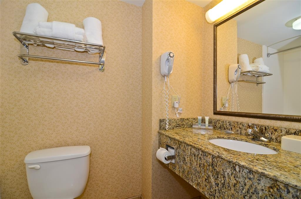 Best Western Executive Inn & Suites - Cuarto de baño de la habitación