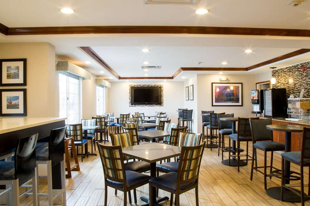 Best Western Executive Inn & Suites - Salle de petit déjeuner