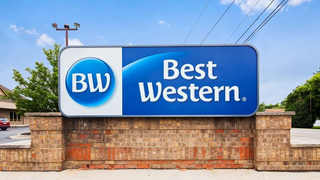 Best Western Davison Inn - Just one hour from the Canadian border, our Davison hotel is popular with Americans and Canadians alike, boasting an unbeatable location and rates.