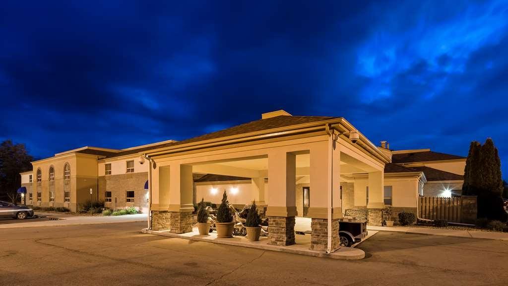 Best Western Davison Inn - Facciata dell'albergo