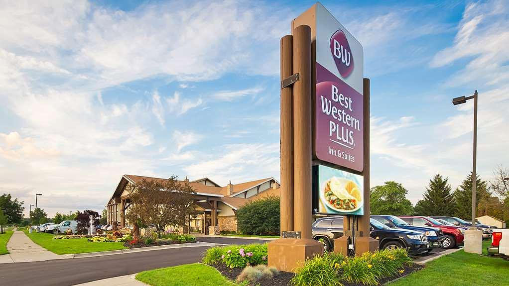 Best Western Plus Holland Inn & Suites - Aussenansicht