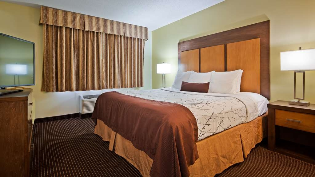 Best Western Plus Holland Inn & Suites - Chambre avec lit king size standard