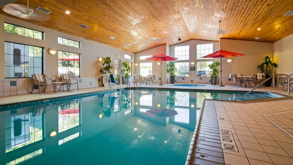 Best Western Plus Holland Inn & Suites - Vue de la piscine