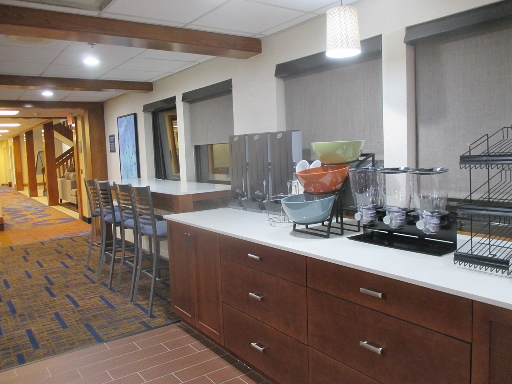 Best Western Benton Harbor-St. Joseph - Breakfast Bar