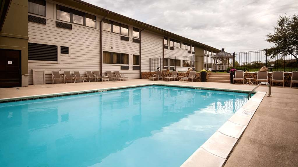 Best Western Benton Harbor-St. Joseph - Swimming Pool