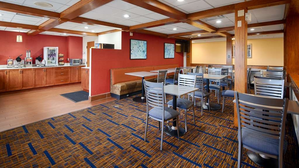Best Western Benton Harbor-St. Joseph - Breakfast Area