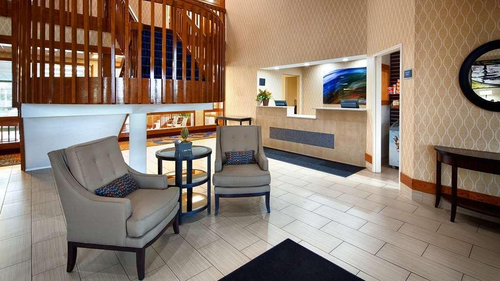 Best Western Benton Harbor-St. Joseph - Vista del vestíbulo