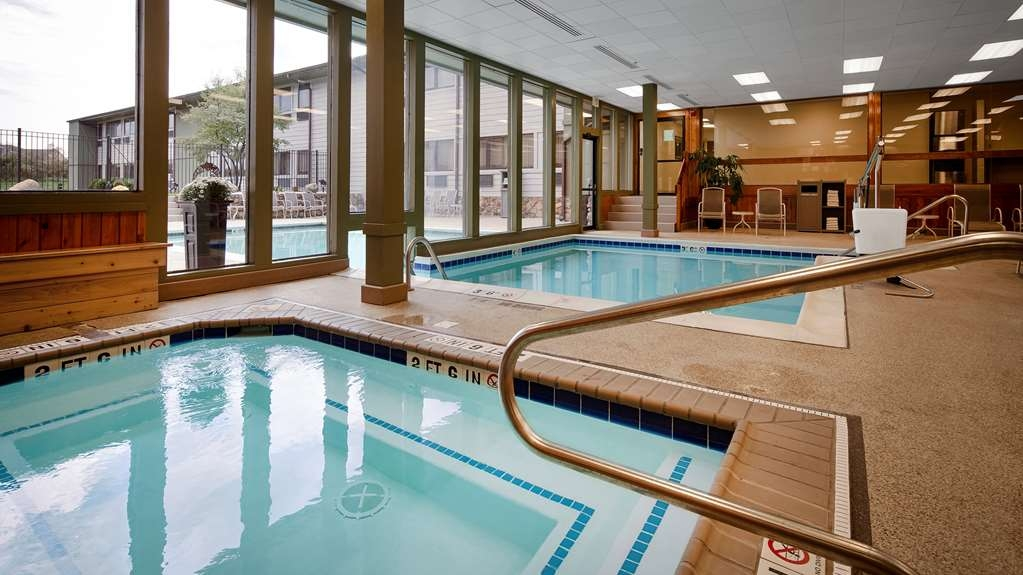 Best Western Benton Harbor-St. Joseph - Hot Tub